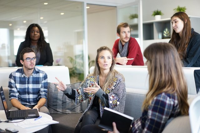 ¿Tienen las mujeres menos oportunidades de sercontratadas?